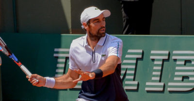 Renowned French tennis player can't train after receiving the vaccine: His career is in danger